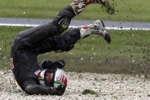 Как защитить себя при падении с мотоцикла фото