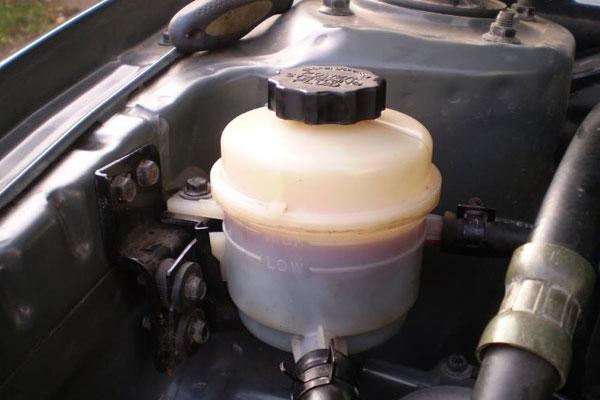 Как часто нужно менять тормозную жидкость? (фото-3)