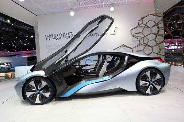 BMW i8 двери открываются вверх