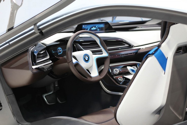 BMW i8 фото салона