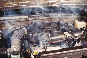 Дым с перегретого двигателя