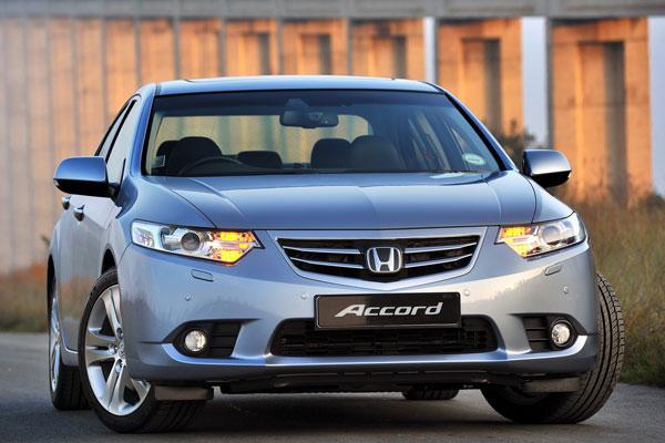 Honda Accord 8 поколения (фото-4)