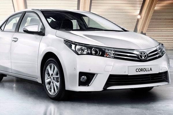 Toyota Corolla седан (фото-2)