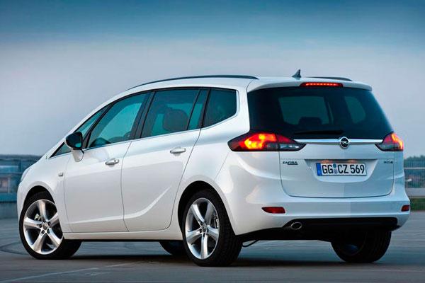 Opel Zafira фото сзади