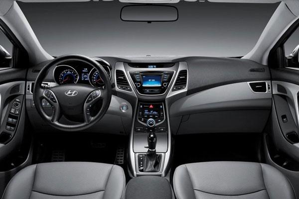 седан Hyundai Elantra 2016 Салон фото