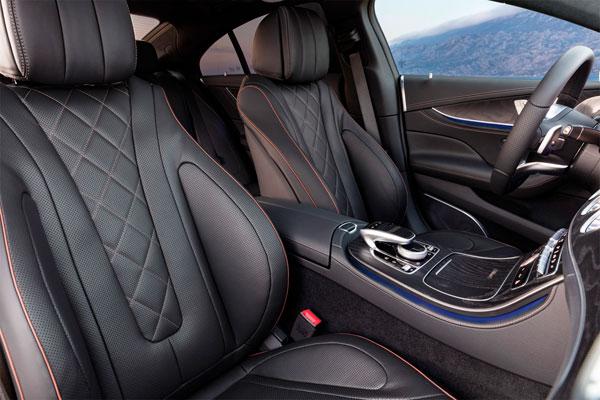 Четырехъядерный купе Mercedes CLS (фото салона)